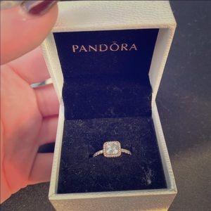 14k pandora ring 🌸🌸🌸